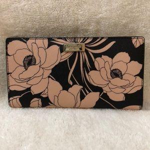 Kate Spade floral pattern bifold wallet